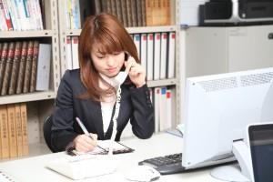 社内システム担当のスタッフ